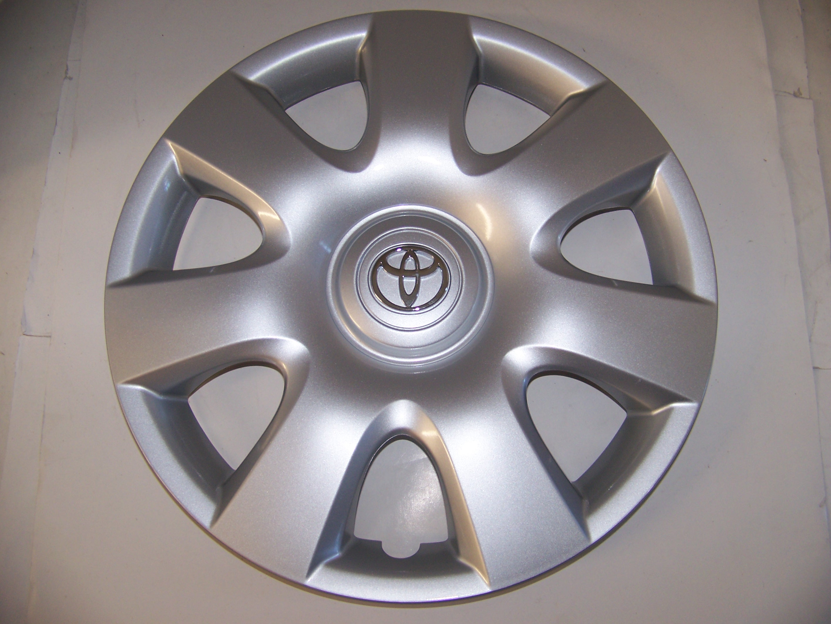 "Toyota Camry 02-04 15"" Hubcap 61115 P/N 42621AA080"