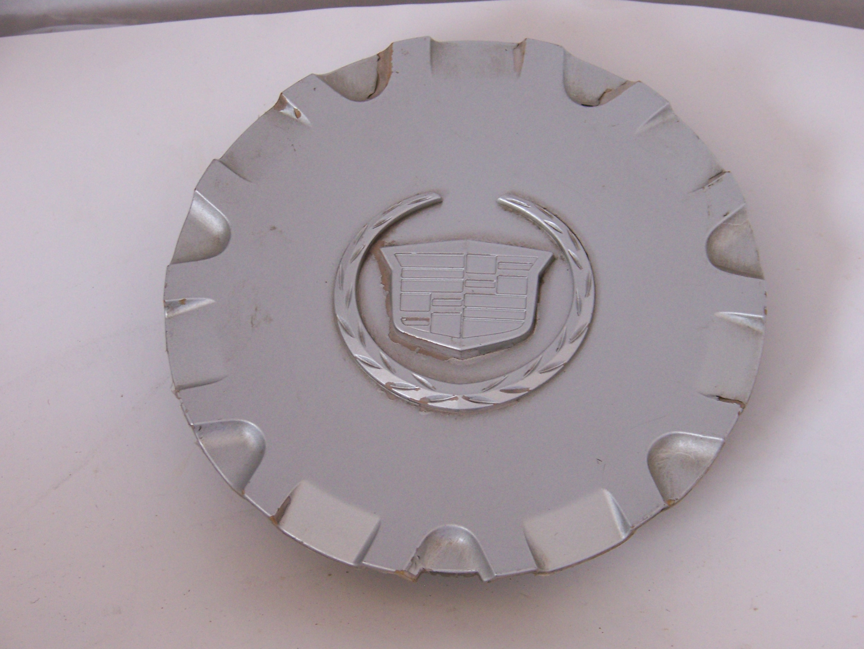 Cadillac SRX 04-05 Center Cap 4580 P/N 9594302