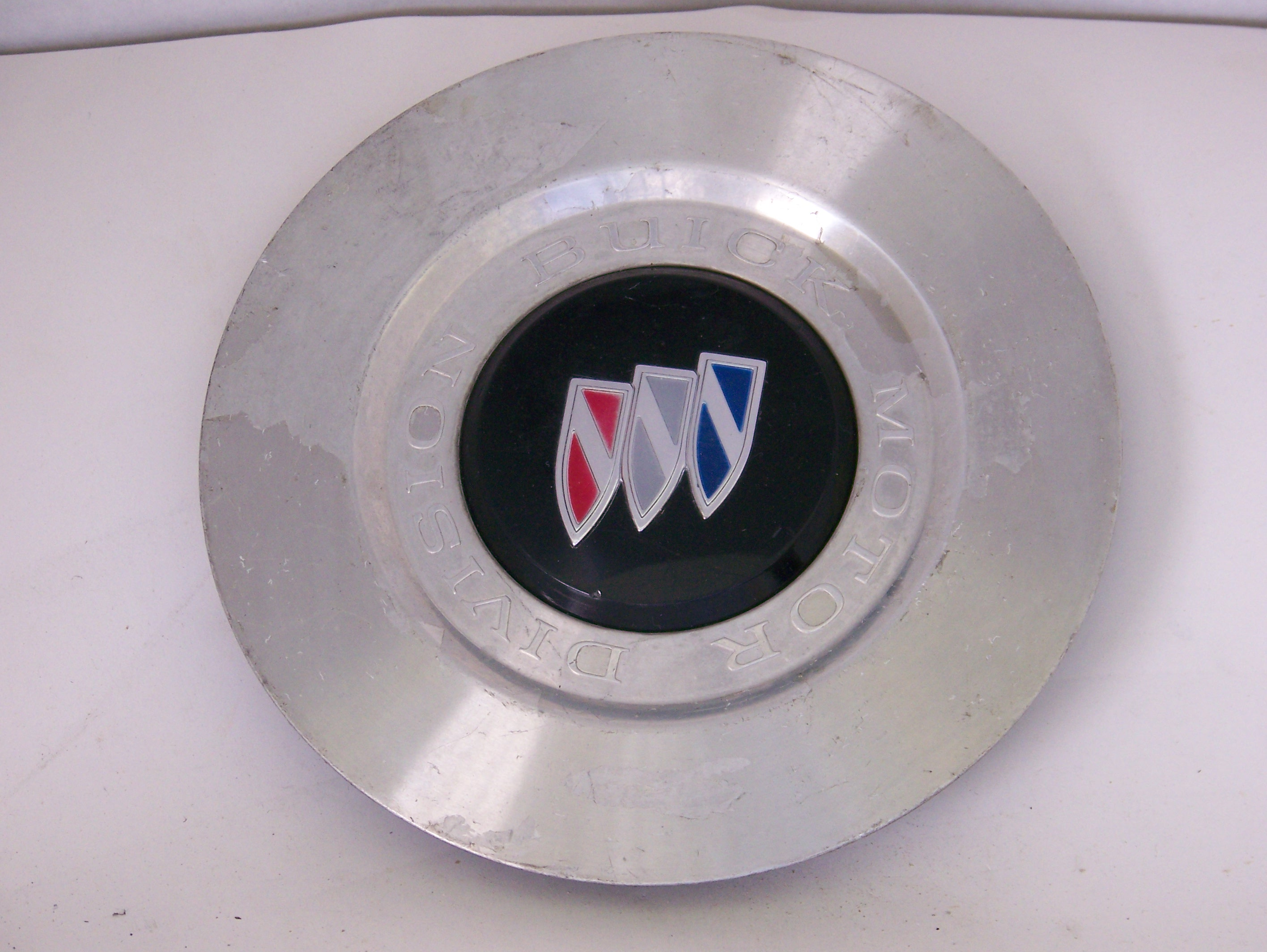 Buick Roadmaster 91-94 Center Cap 4003 P/N 10137832