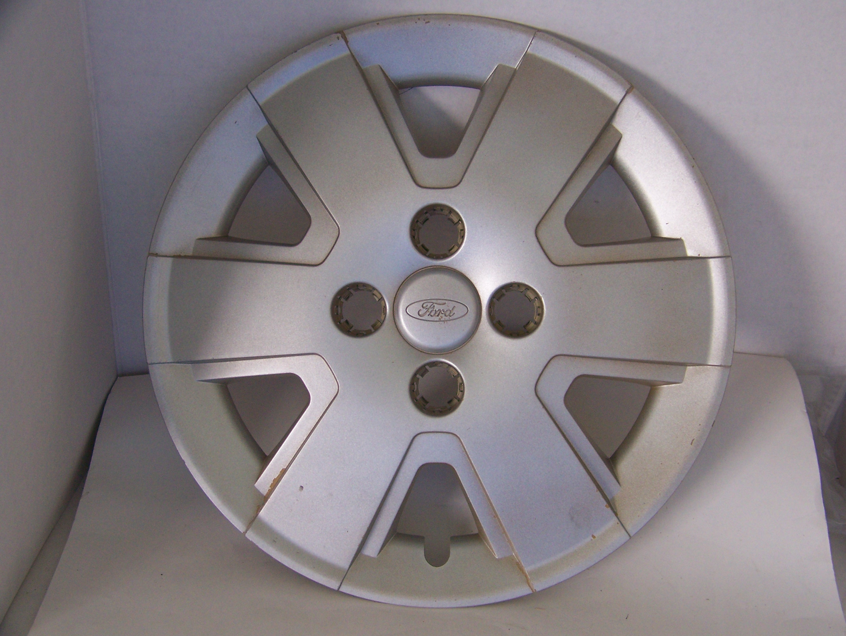 "Ford Focus 06-11 15"" Hubcap 7044 P/N 8S431130AA"