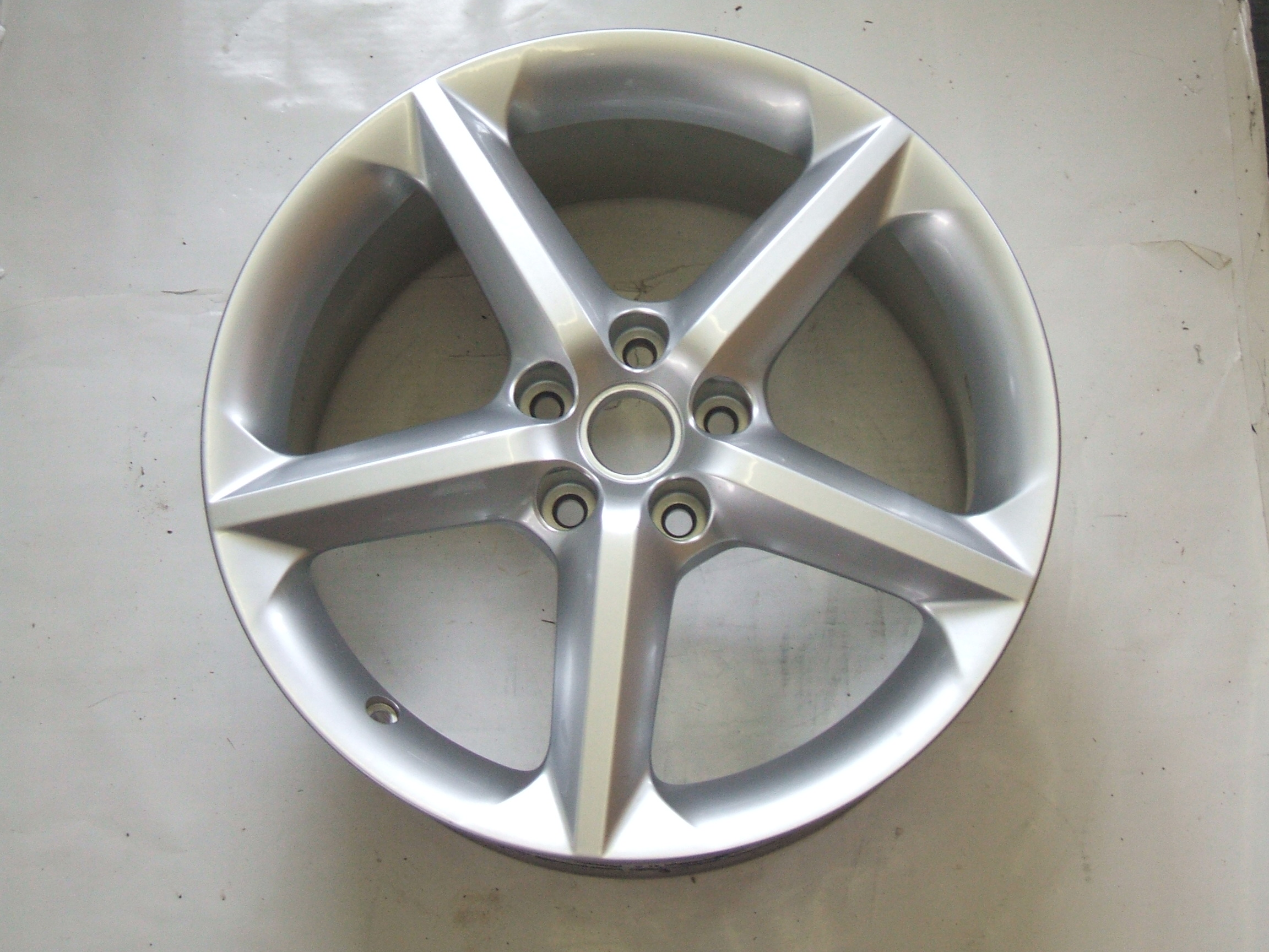 "Saturn Sky 2007 18"" Aluminum Wheel 7046 P/N 9596135"