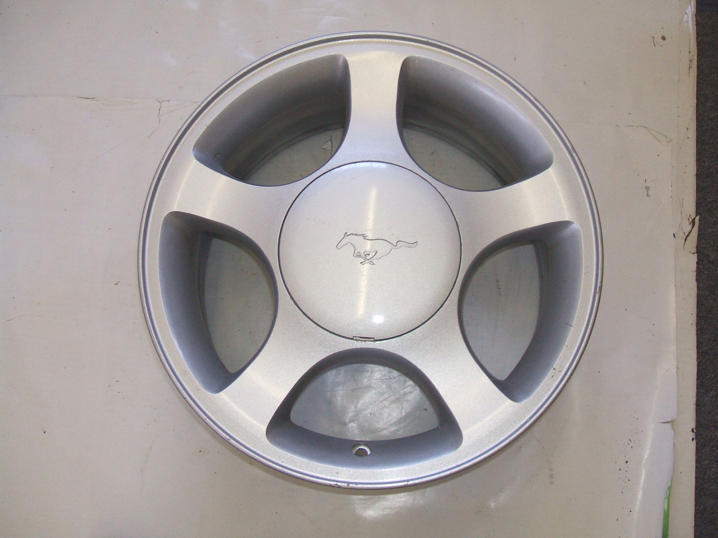 "Ford Mustang 99-00 16"" Wheel 3375 P/N XR33-1007-GA"