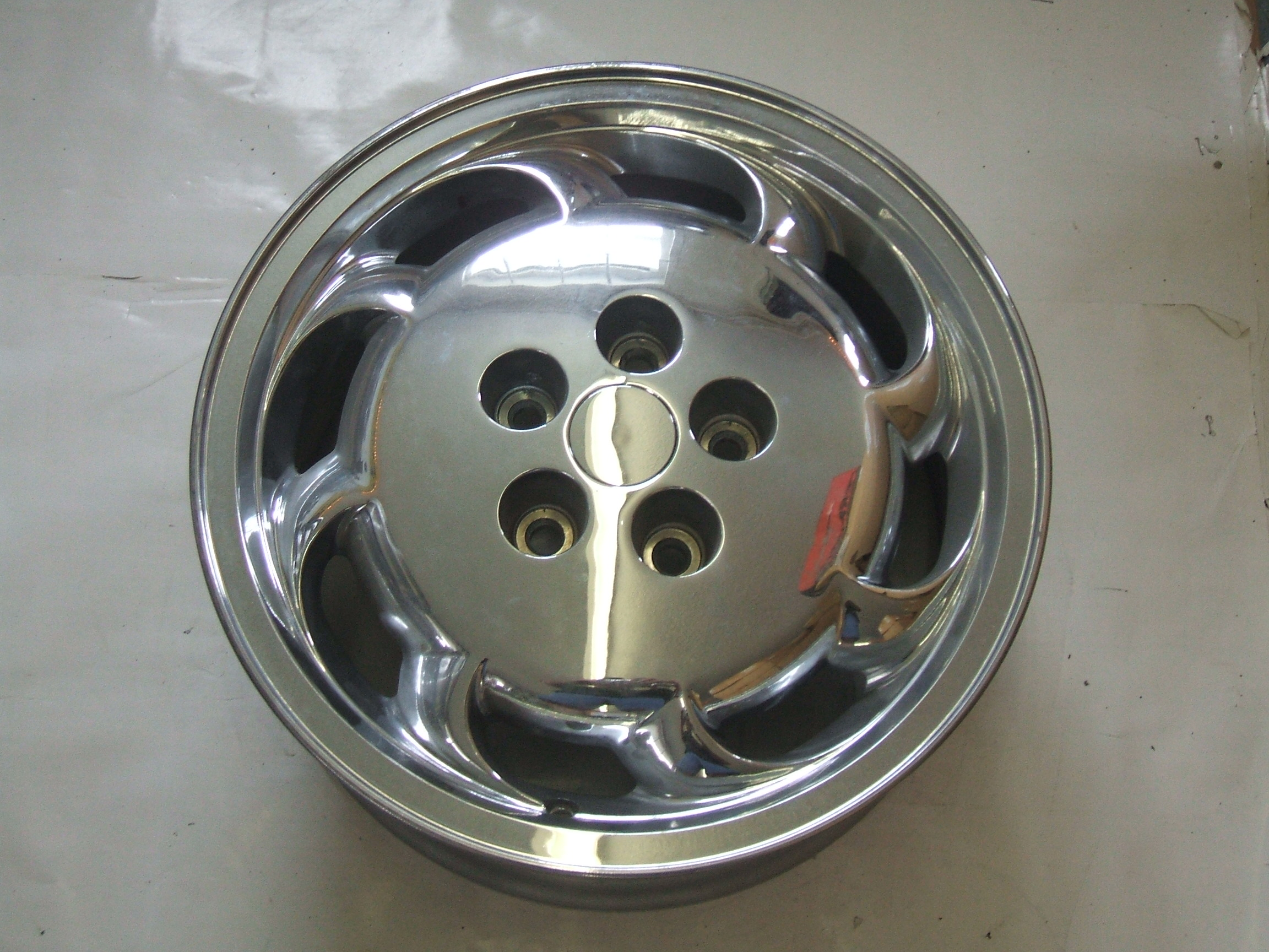 "Oldsmobile Eighty Eight Ninety Eight 95-99 16"" Chrome Wheel 6021 P/N 9592598"