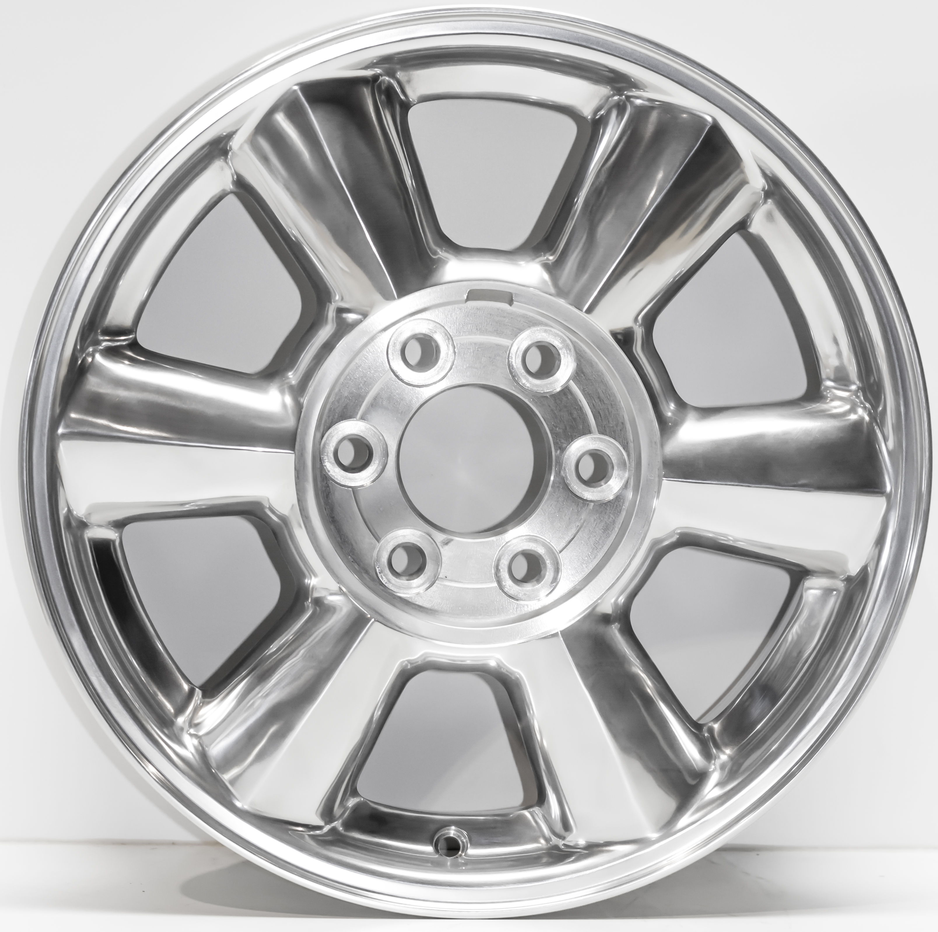 GMC Envoy 02-07 17 Inch Polished Aluminum Wheel 5143AFT