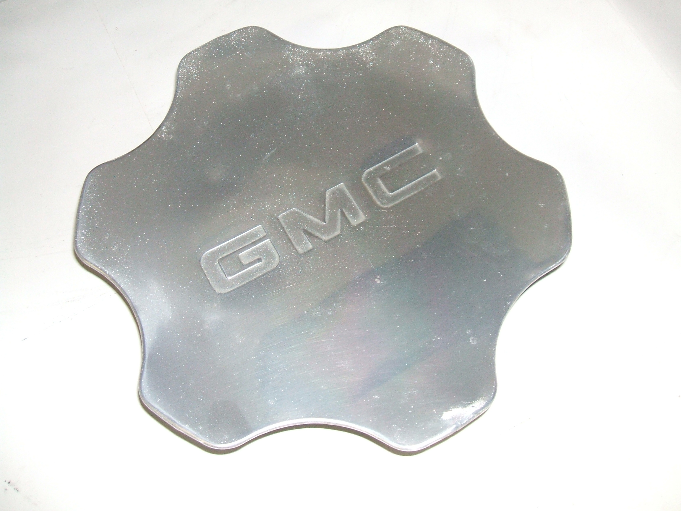GMC Sierra Yukon 1500 01-06 Center Cap 5132 P/N 9594256