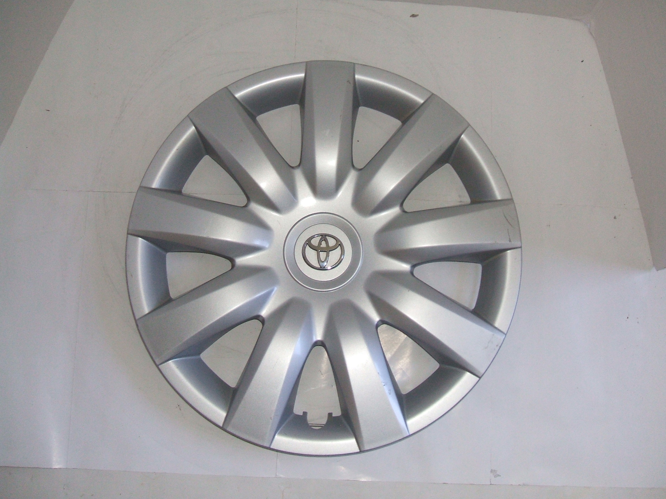 "Toyota Camry 04-06 15"" Hubcap 61136 P/N 42621-AA150"