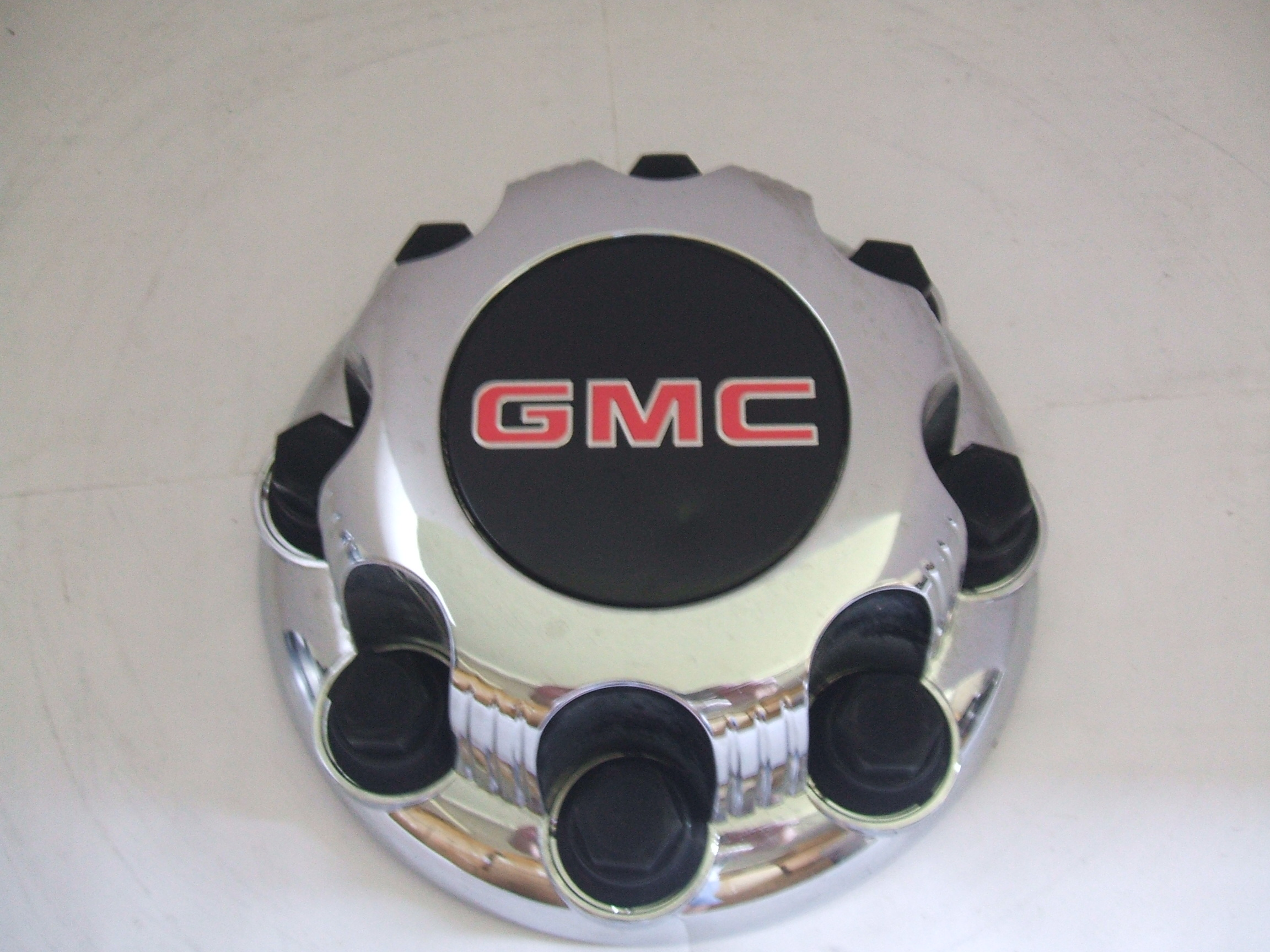 Gmc Sierra 2500 3500 SRW 99-07 Center Cap 5075 P/N 9597159