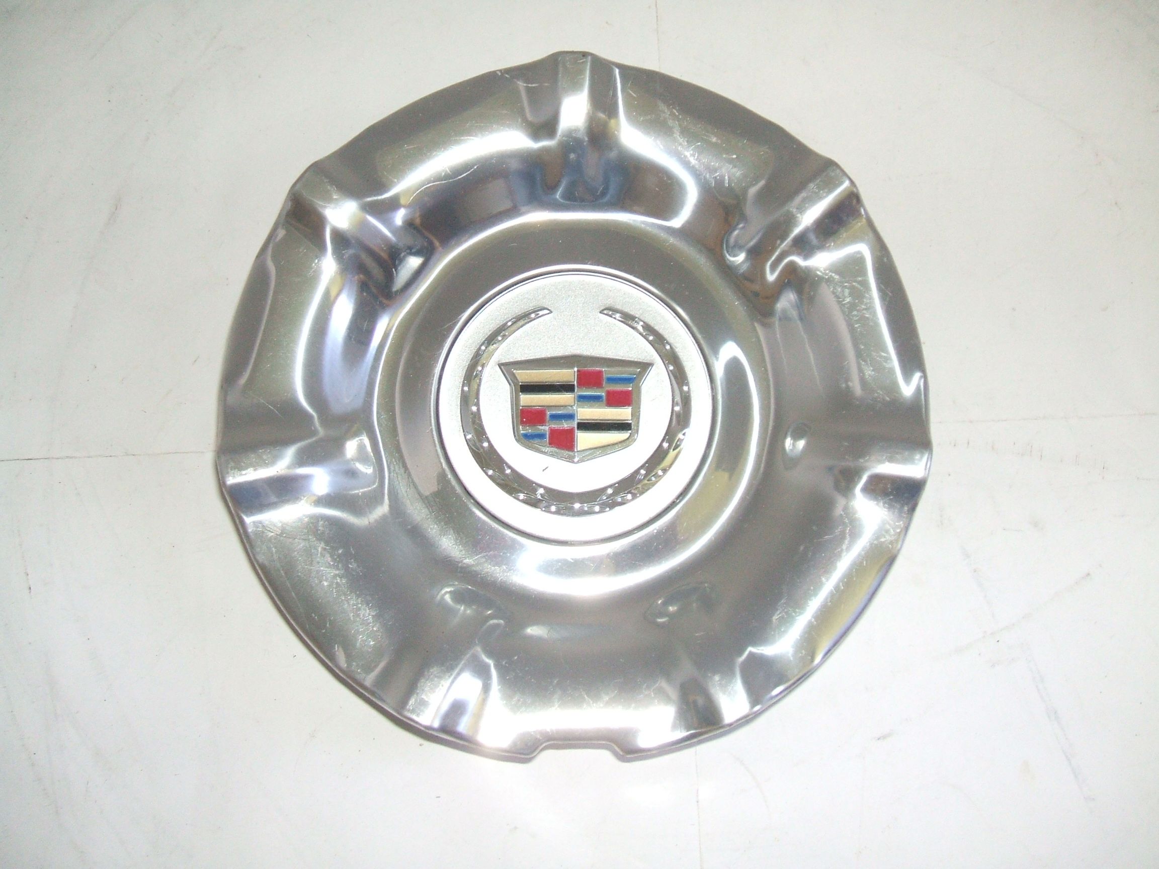 Cadillac SRX 13-16 Polished Center Cap 4708 P/N 20965437