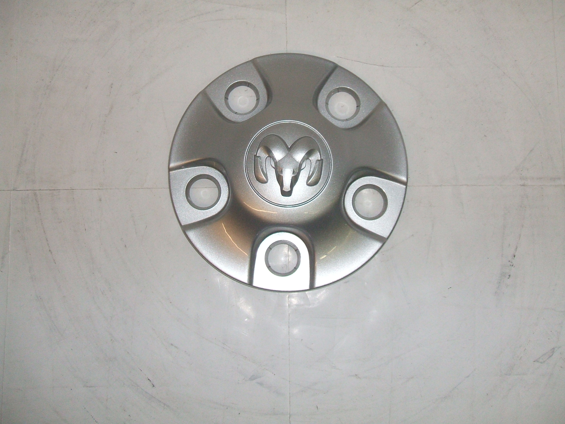 "Dodge 1500 13-16 17"" Wheel Center Cap 2449 P/N 1XP54TRMAA"