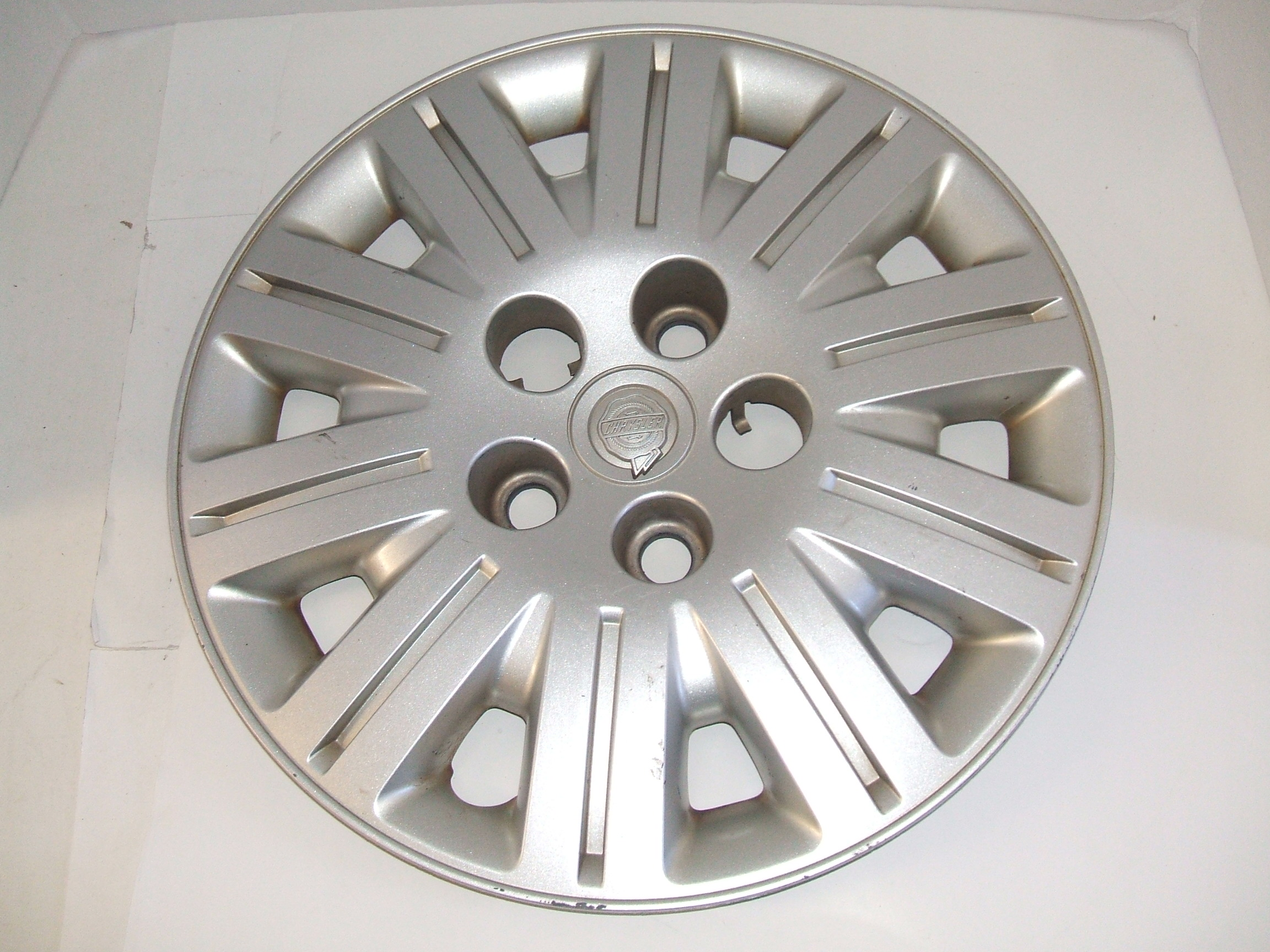"Chrysler Town & Country 05-07 15"" Hubcap 8020 P/N 04766442AA"