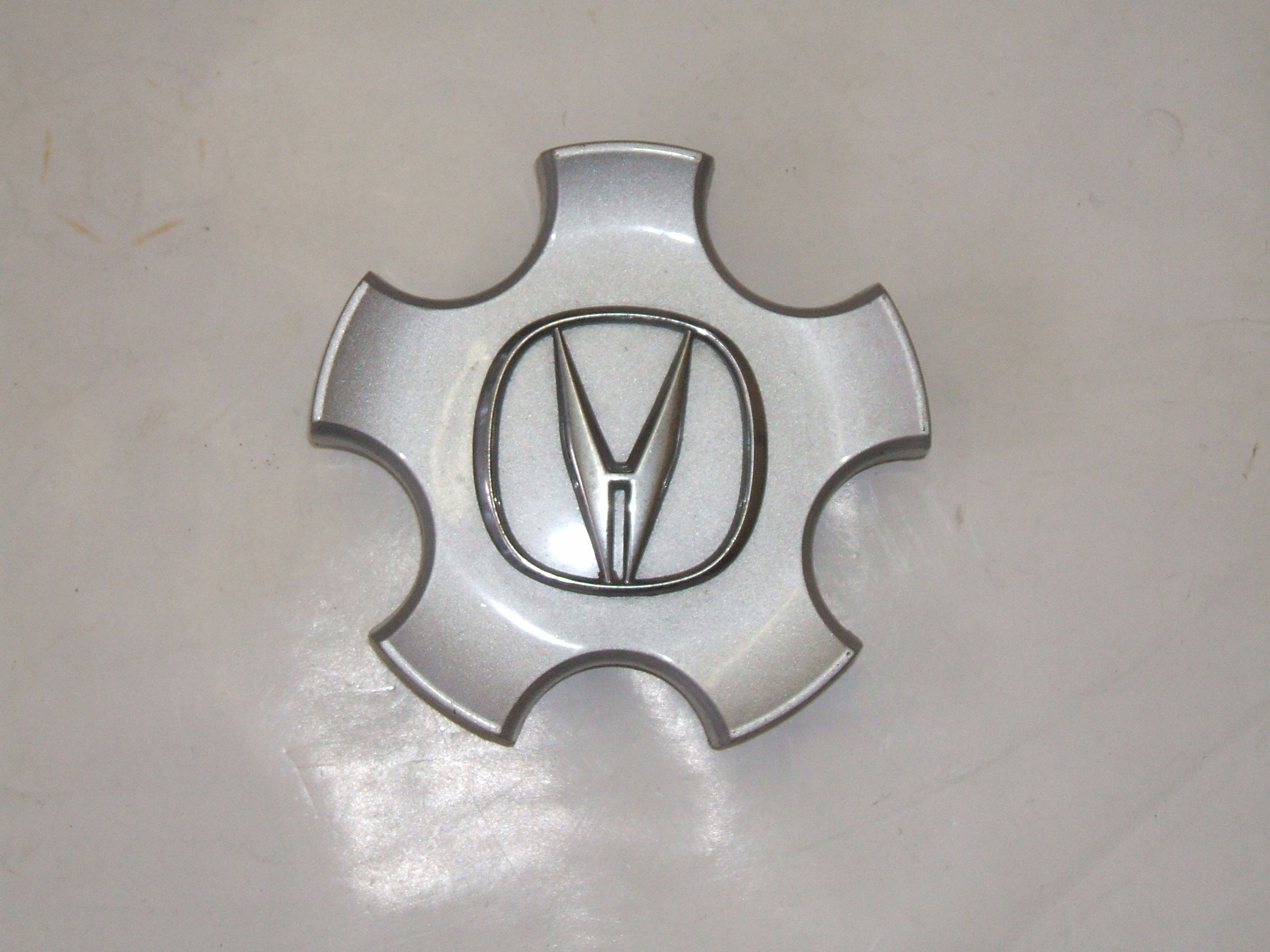 "Acura RL 96-97 16"" Wheel Center Cap 71677 P/N 44742-SZ3A-J000-H1"