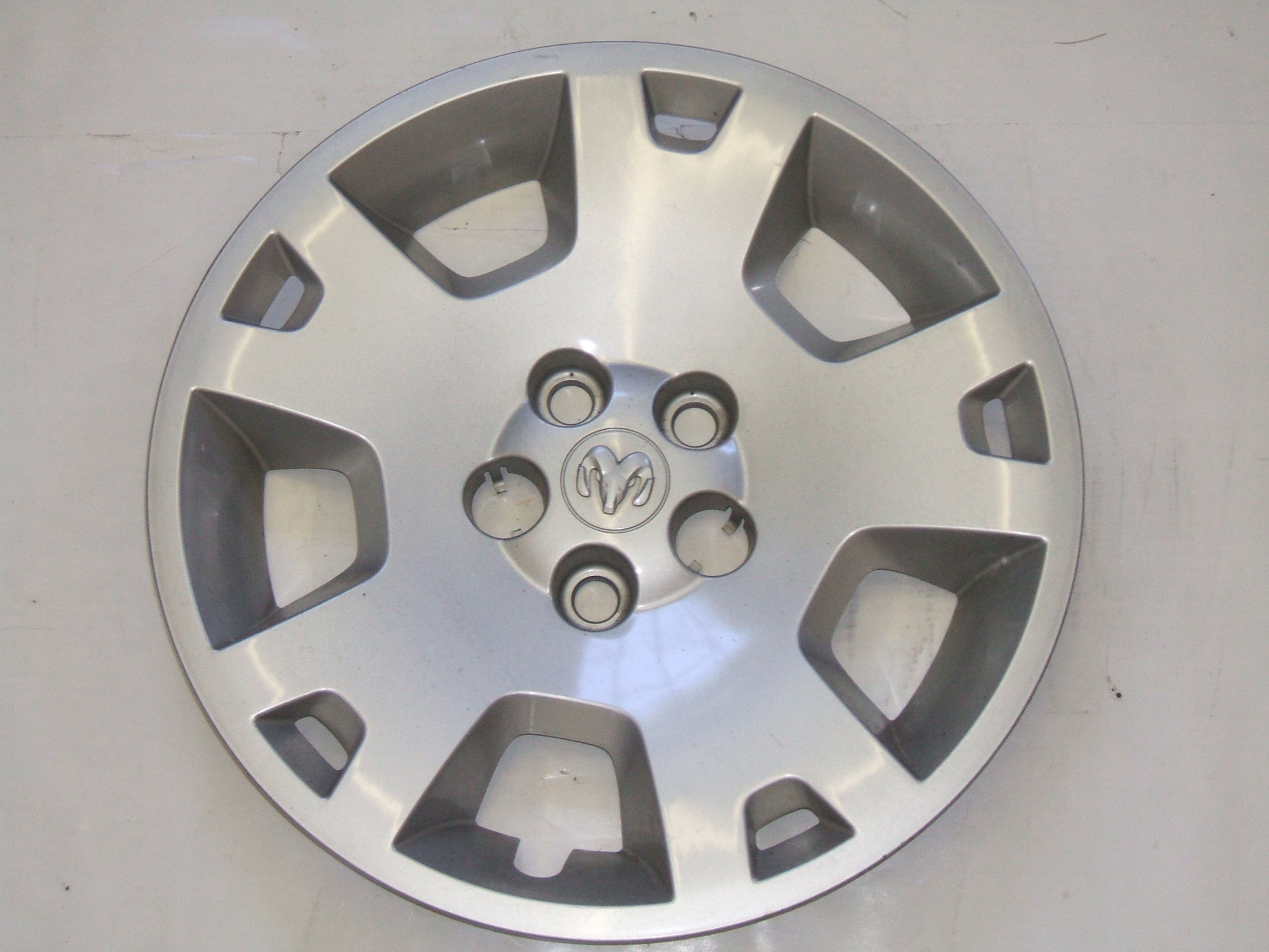 "Dodge Charger Magnum 05-07 17"" Hubcap 8023 P/N 0UQ18TRMAA"